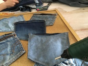 Denim holder til solbriller